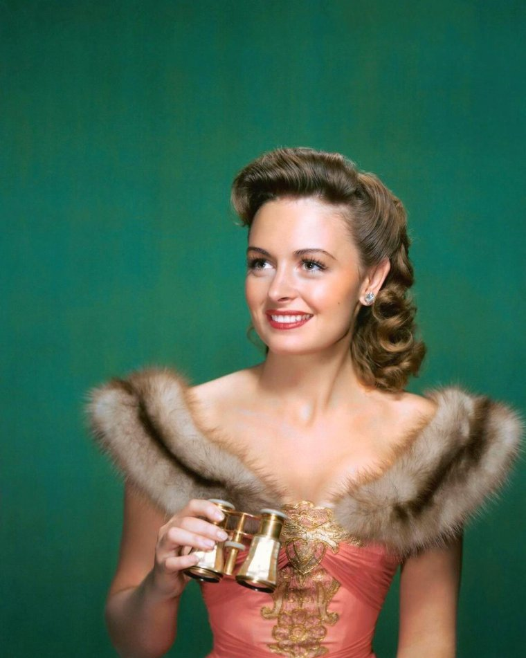 Donna REED (17 Janvier 1921 / 14 Janvier 1986) (photo N.B. 1955)