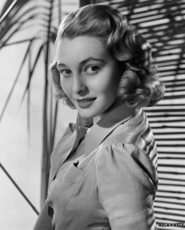 Patricia NEAL (20 Janvier 1926 / 8 Août 2010) (photo couleur 1952)