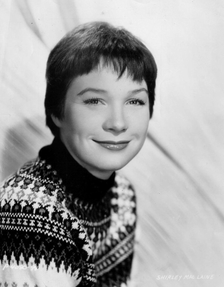 Shirley MacLAINE (24 Avril 1934) (photo couleur 1960)