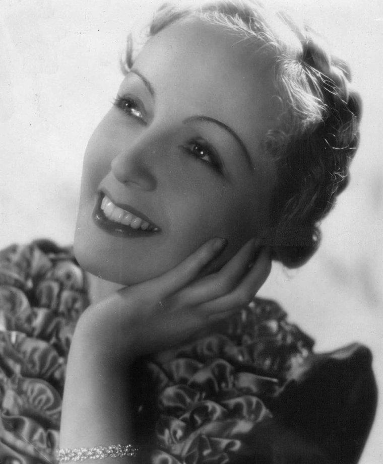 Dita PARLO (4 Septembre 1908 / 13 Décembre 1971) (photo N.B. 1937)