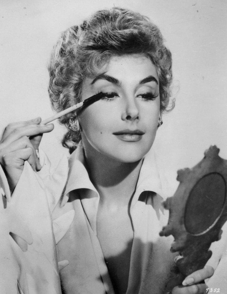 Kay KENDALL (21 Mai 1927 / 6 Septembre 1959)
