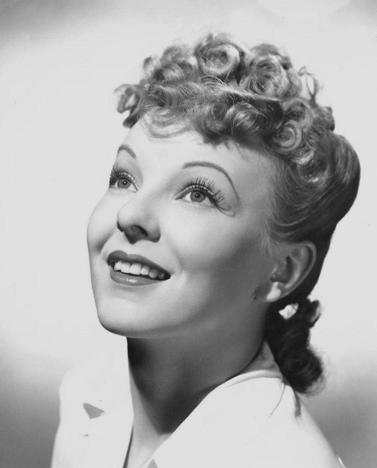 Anna LEE (2 Janvier 1913 / 14 Mai 2004) (photo sépia 1935)