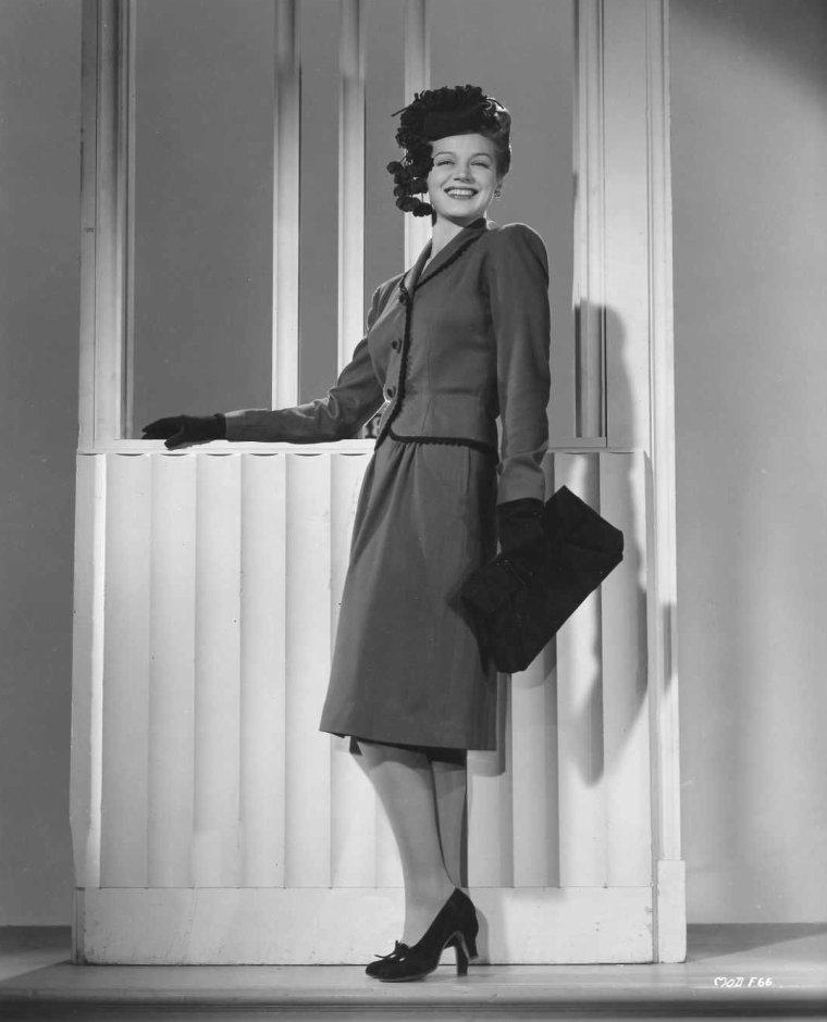 Martha O'DRISCOLL (4 Mars 1922 / 3 Novembre 1998) (photo N.B. 1943)