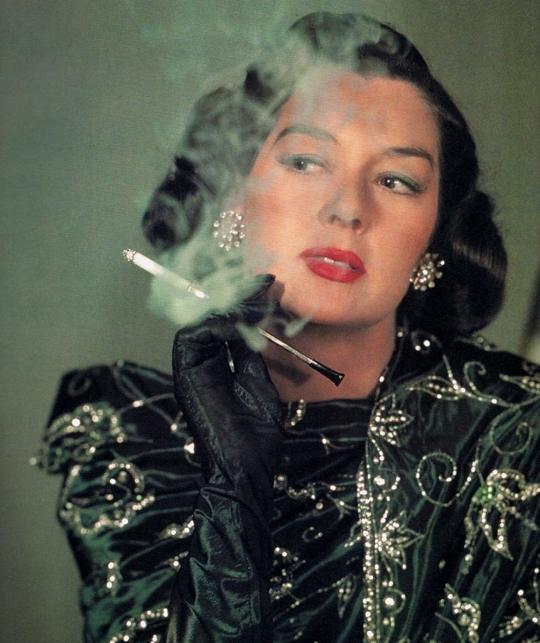 Rosalind RUSSELL (4 Juin 1907 / 28 Novembre 1976) (photo N.B. 1951)