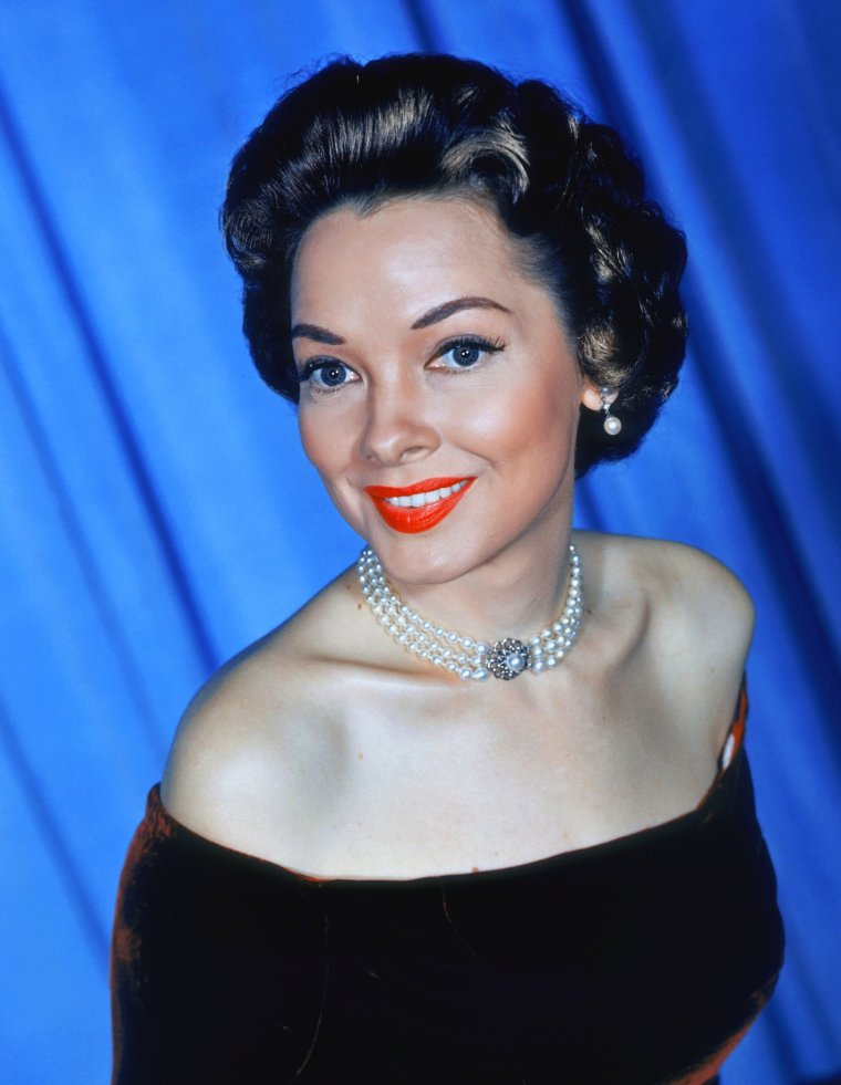 Kathryn GRAYSON (9 Février 1922 / 17 Février 2010) (photo N.B. 1951)