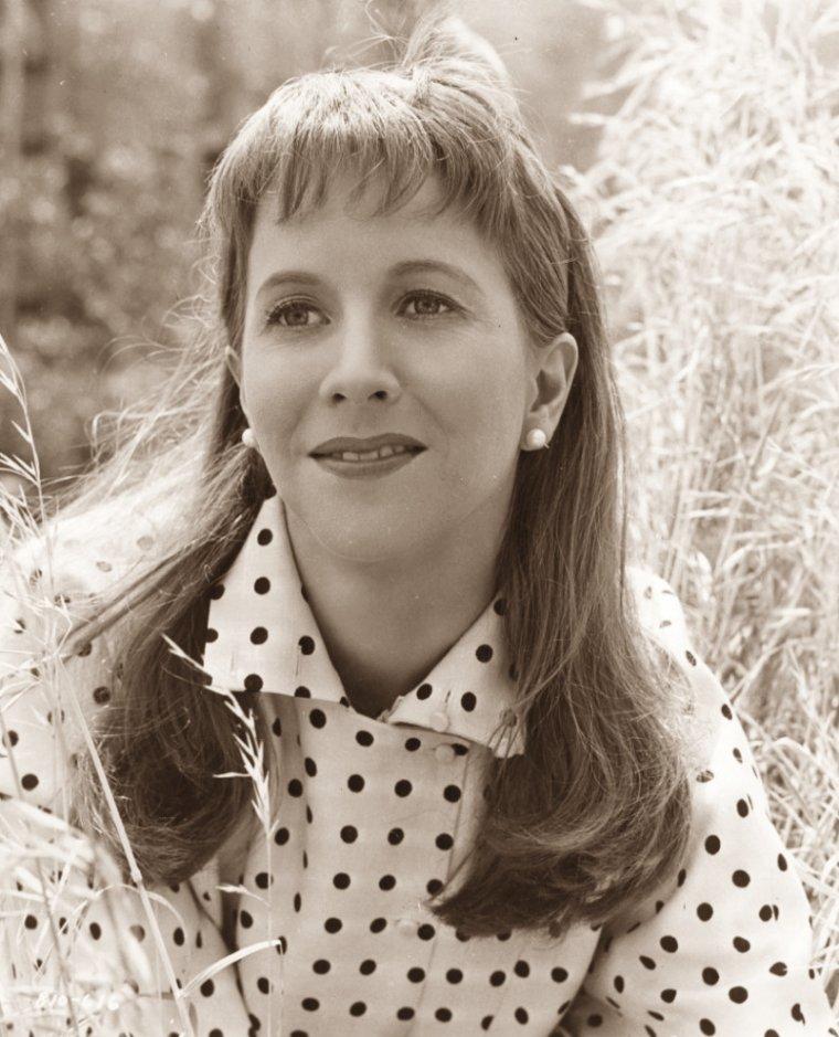 Julie HARRIS (2 Décembre 1925 / 24 Août 2013) (photo sépia 1954)