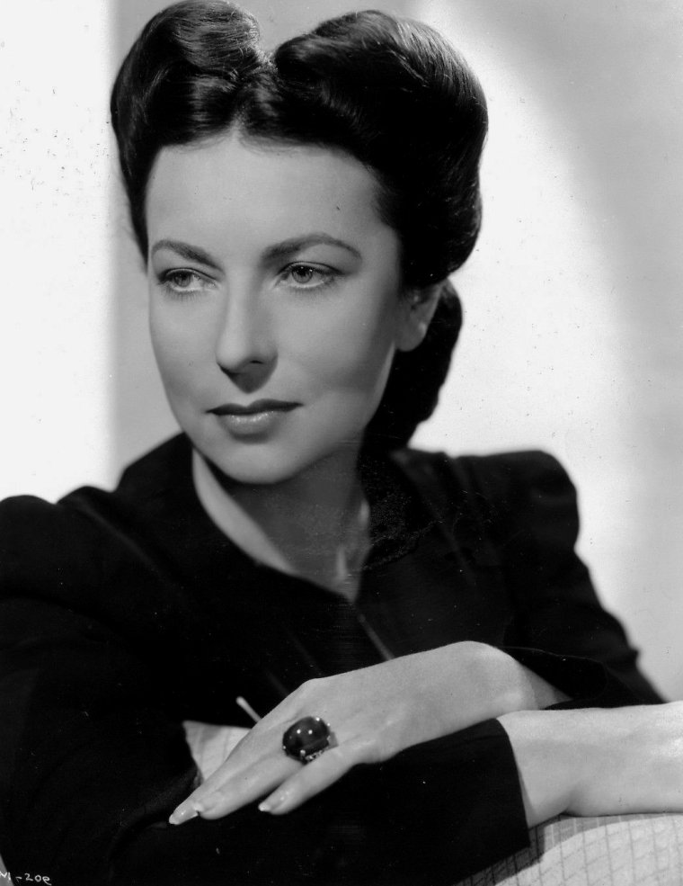 Agnes MOOREHEAD (6 Décembre 1900 / 30 Avril 1974) (photo N.B. 1942)