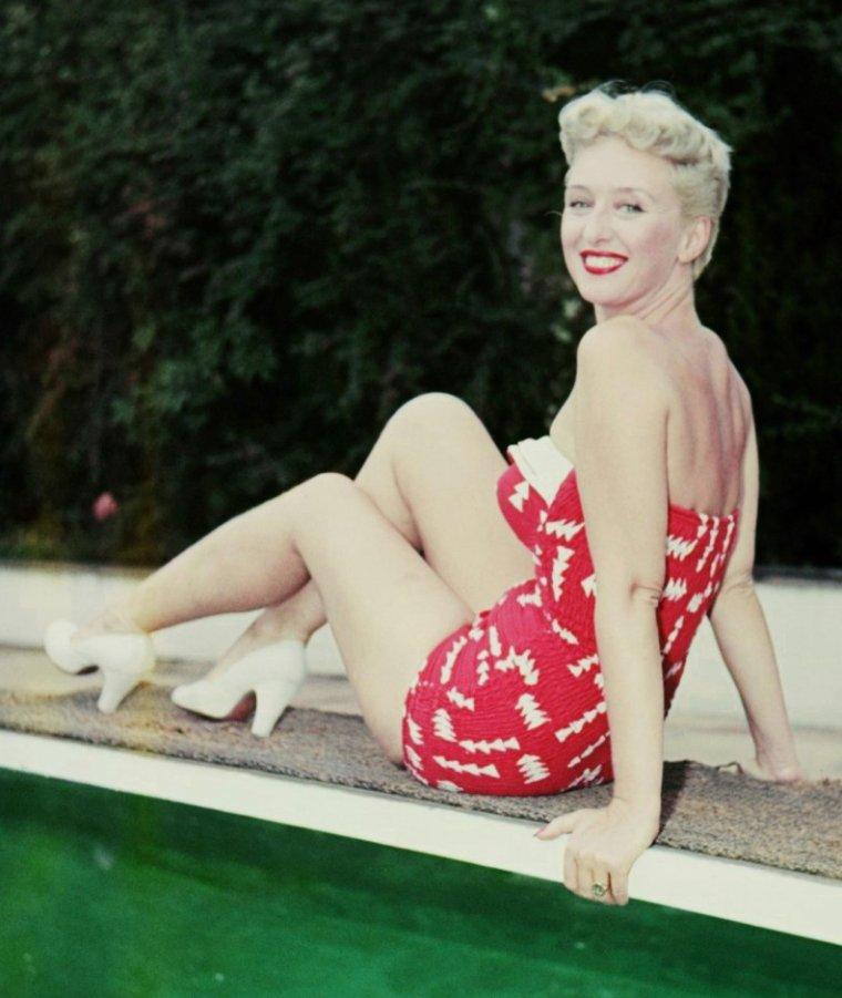 Celeste HOLM (29 Avril 1917 / 15 Juillet 2012) (photo N.B. 1949)