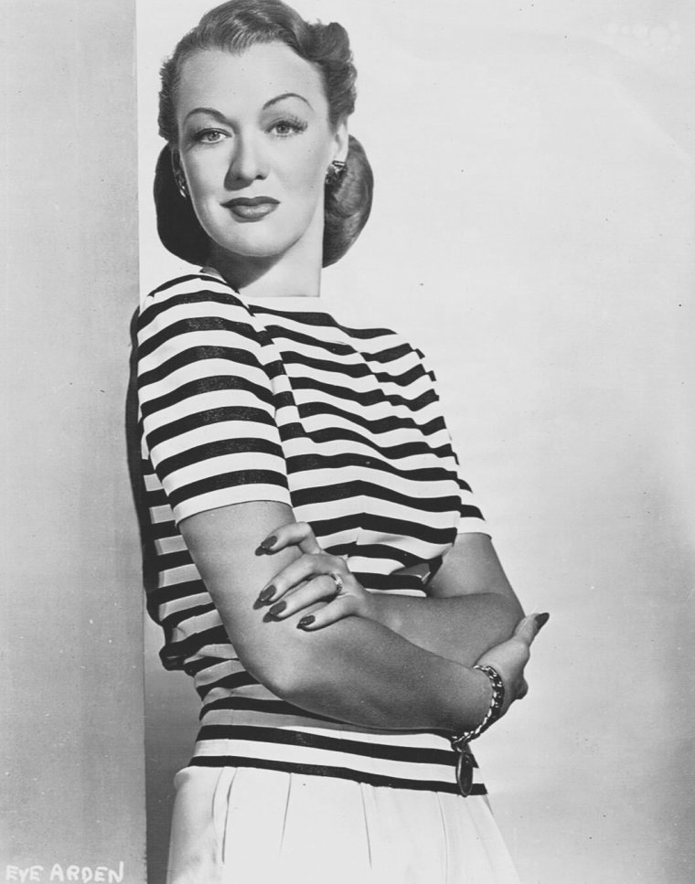 Eve ARDEN (30 Avril 1908 / 12 Novembre 1990) (photo sépia 1951)