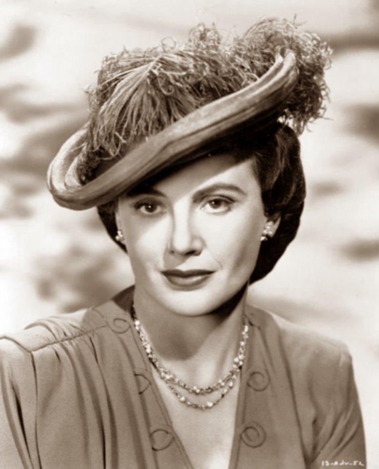 Frieda INESCORT (29 Juin 1901 / 26 Février 1976) (photo sépia 1949)