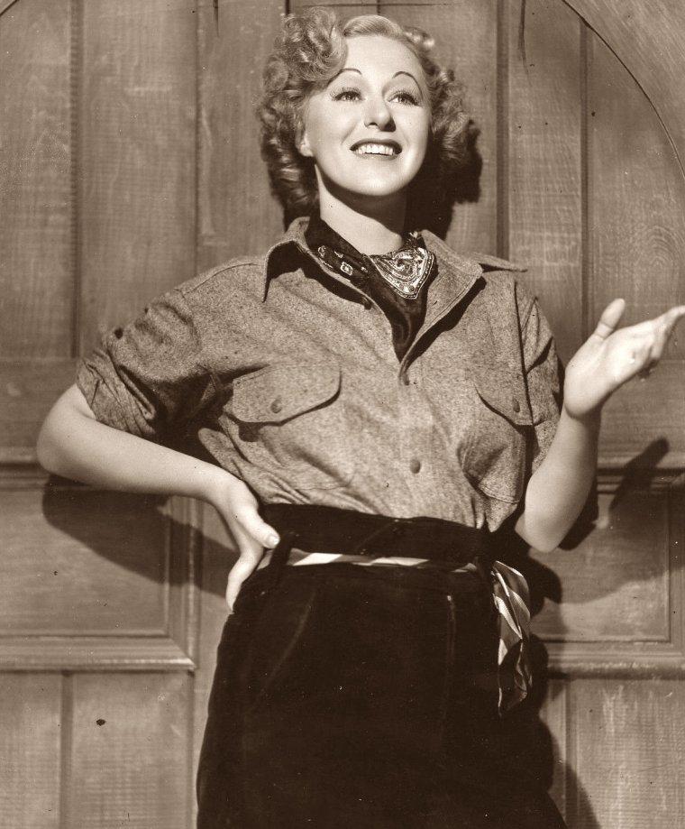 Grace MOORE (5 Décembre 1898 / 26 Janvier 1947) (photo sépia 1937)