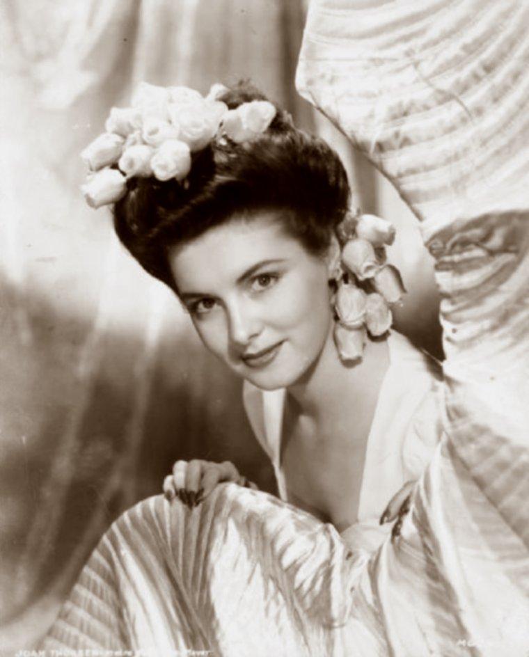Joan THORSEN (? / ?) (photo N.B. 1944)