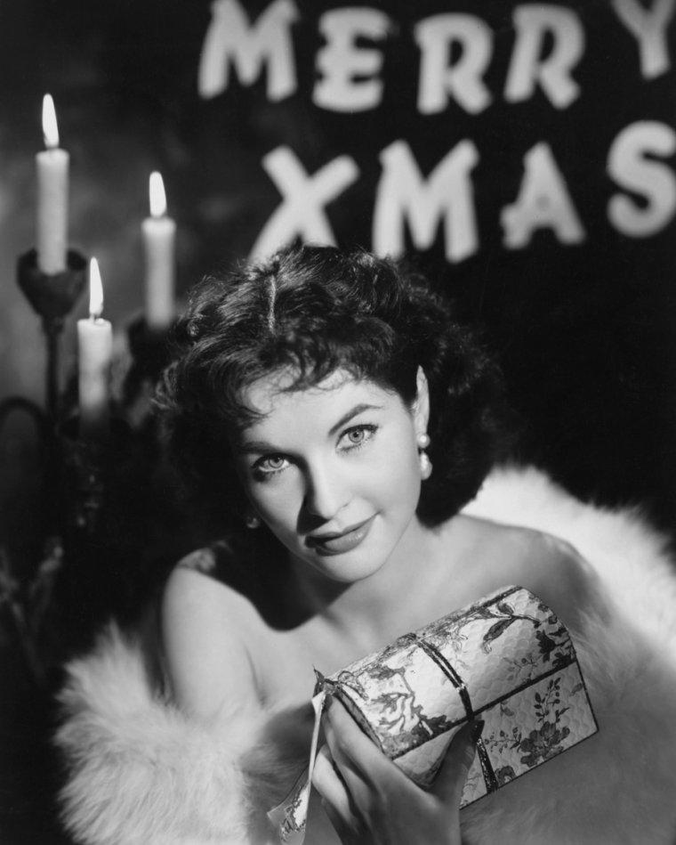 Yvonne FURNEAUX (11 Mai 1926)