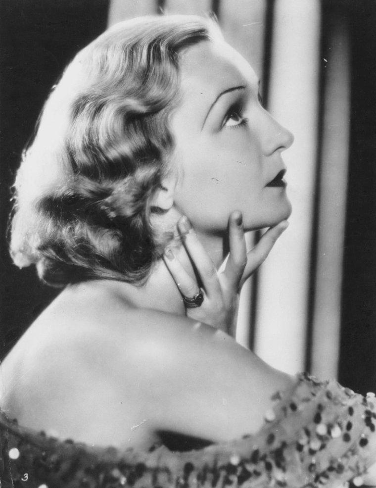 Florence DESMOND aussi connue sous le pseudo de Florence DAWSON (31 Mai 1905 / 16 Janvier 1993) (photo N.B. 1930)