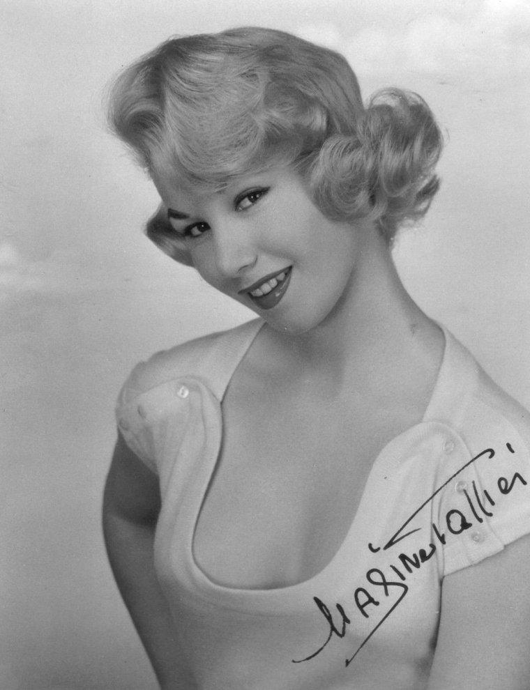 Nadine TALLIER plus connue sous le pseudo de Nadine De ROTHSCHILD (18 Avril 1932)