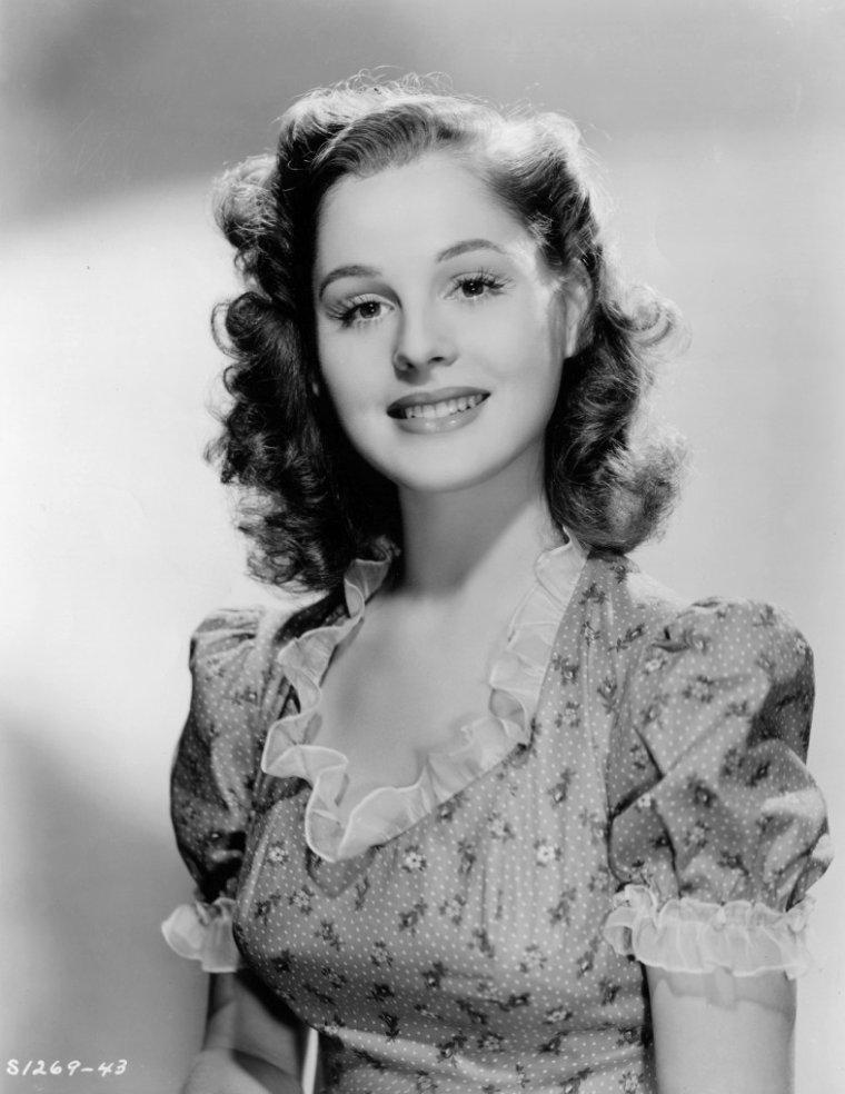 Dorothy MORRIS (23 Février 1922 / 20 Novembre 2011) (photo N.B. 1943)