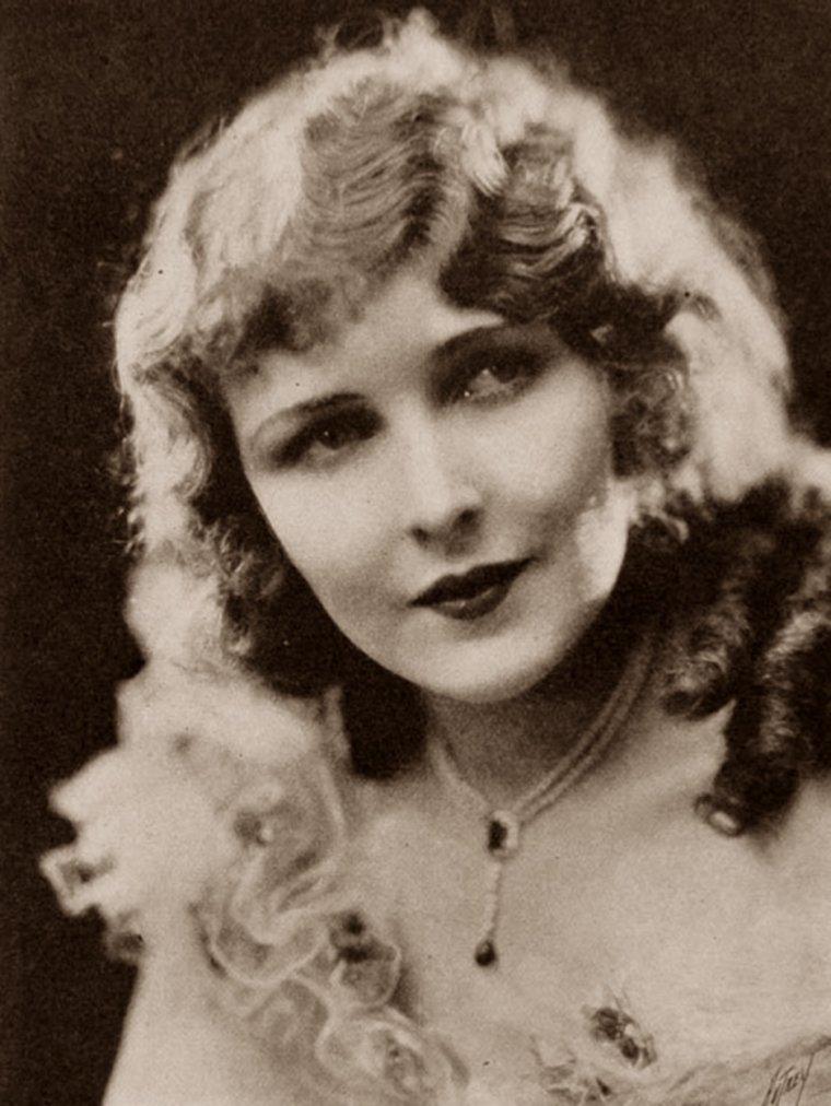 Florence GILBERT (20 Février 1904 / 27 Février 1991) (photo sépia 1927)