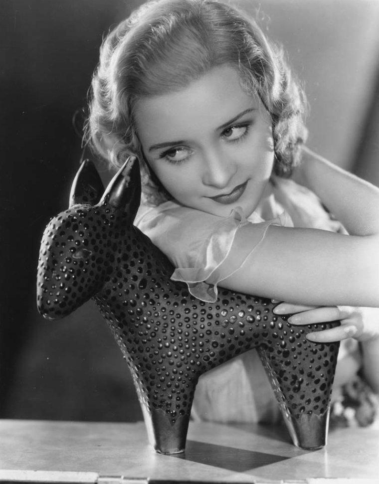 Marian MARSH aussi connue sous les pseudos de Marilyn MORGAN et Marian HENDERSON (17 Octobre 1913 / 9 Novembre 2006) (photo N.B. 1932)