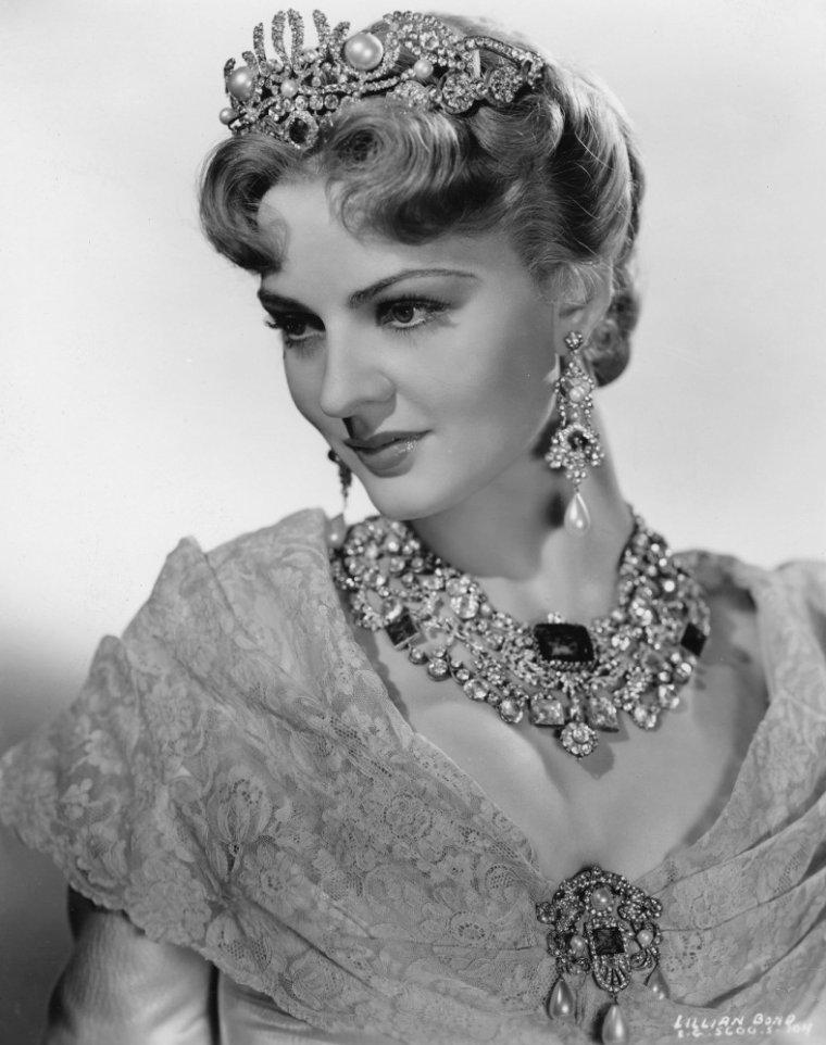 Lillian BOND parfois créditée Lilian BOND (18 Janvier 1908 / 25 Janvier 1991) (photo N.B. 1940)