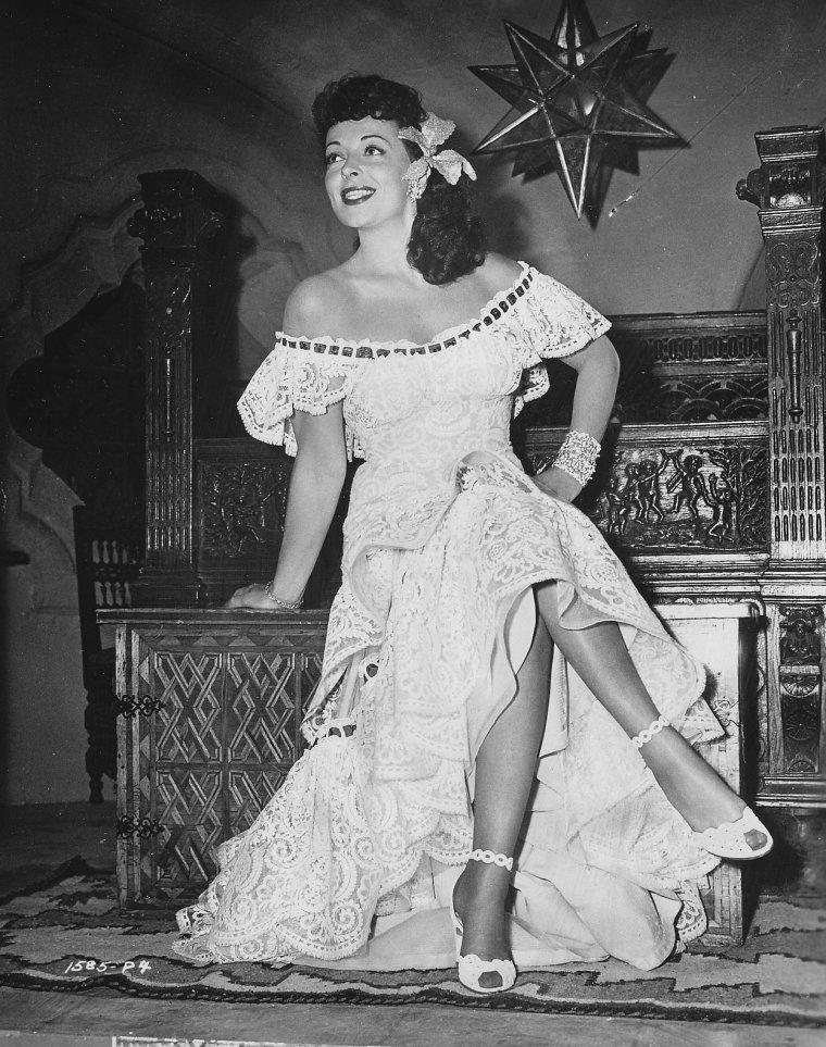 Luba MALINA (? / ?) (photo N.B. 1948)