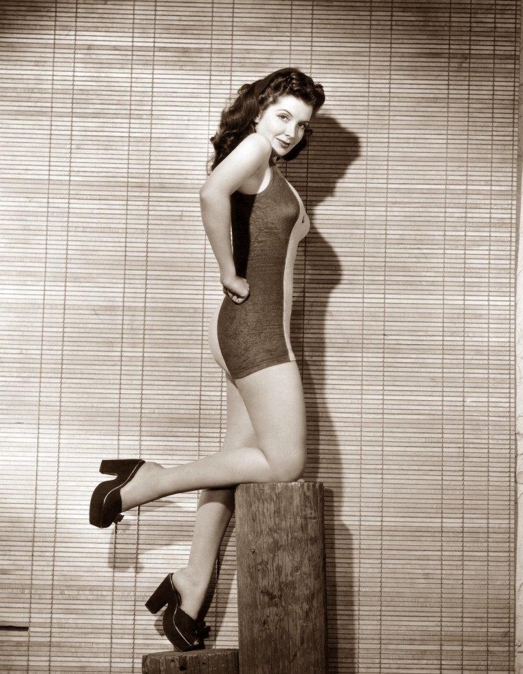 Jane ADAMS plus connue sous le pseudo de Poni ADAMS (7 Août 1921) (photo N.B. 1946)