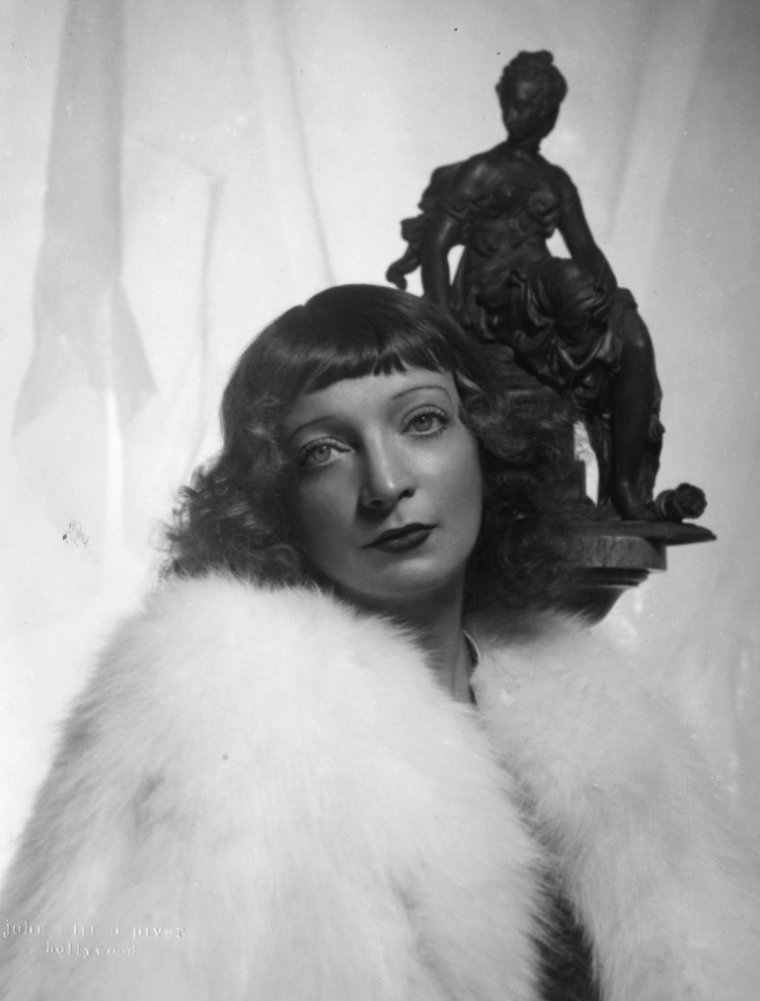 Estelle WINWOOD (24 Janvier 1883 / 20 Juin 1984) (photo N.B. 1937)