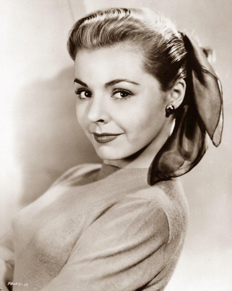 Kasey ROGERS aussi connue sous le pseudo de Laura ELLIOTT (15 Décembre 1925 / 6 Juillet 2006) (photo N.B. 1950)