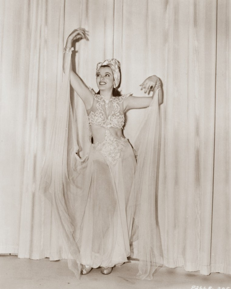 Lillian CORNELL (2 Mars 1917 / 20 Novembre 1976) (photo N.B. 1939)