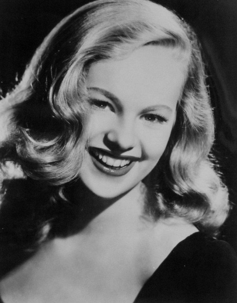 Peggy CUMMINS (18 Décembre 1925)
