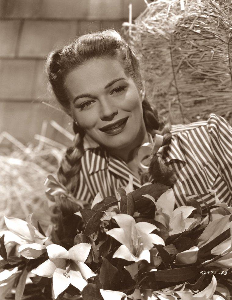 Kristine MILLER (13 Avril 1929) (photo N.B. 1948)