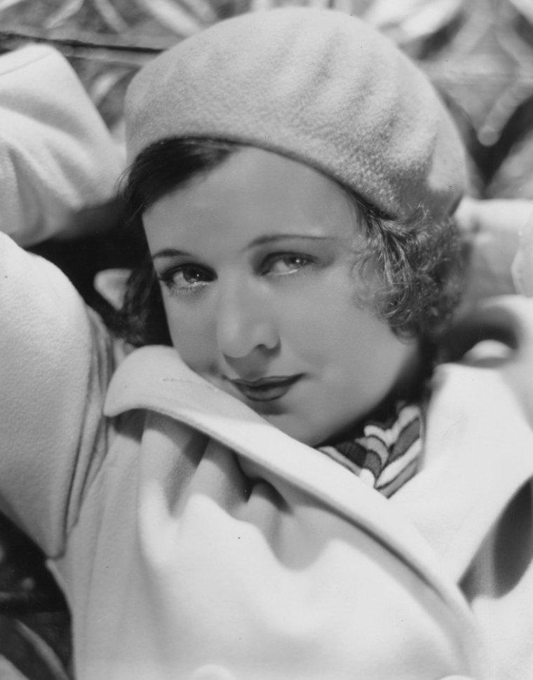 Marie PREVOST (8 Novembre 1898 / 21 Janvier 1937) (photo sépia 1929)