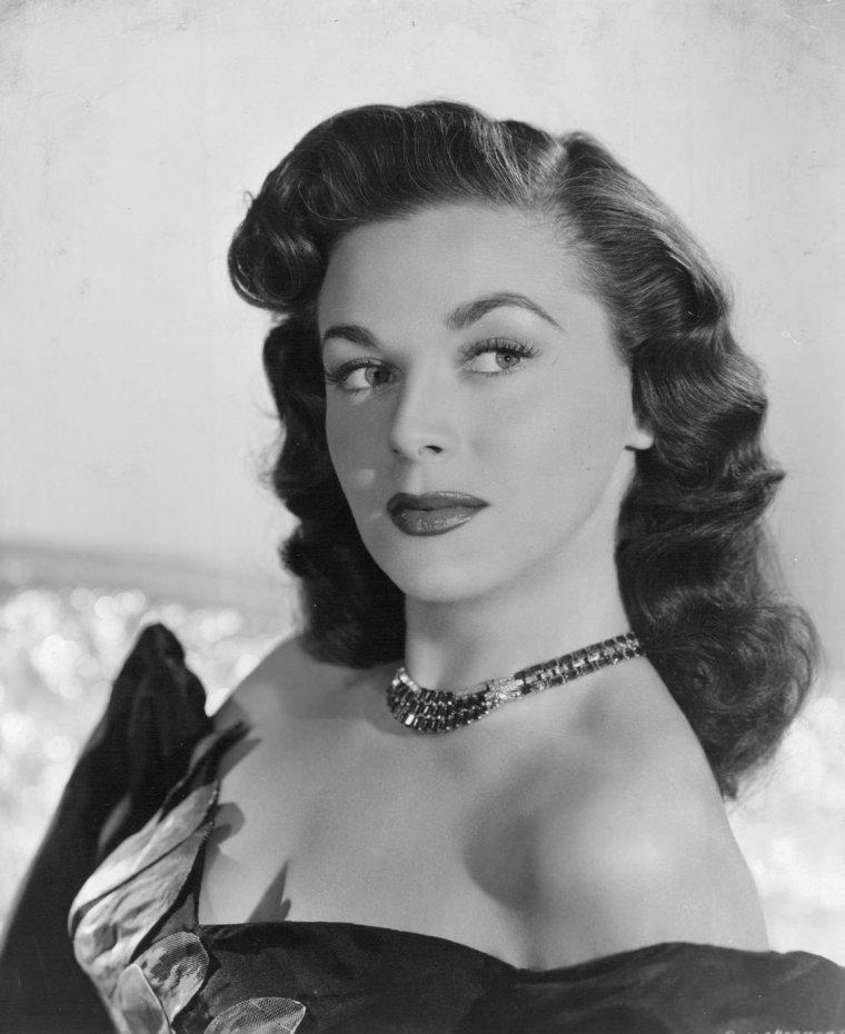 Marguerite CHAPMAN (9 Mars 1918 / 31 Août 1999)