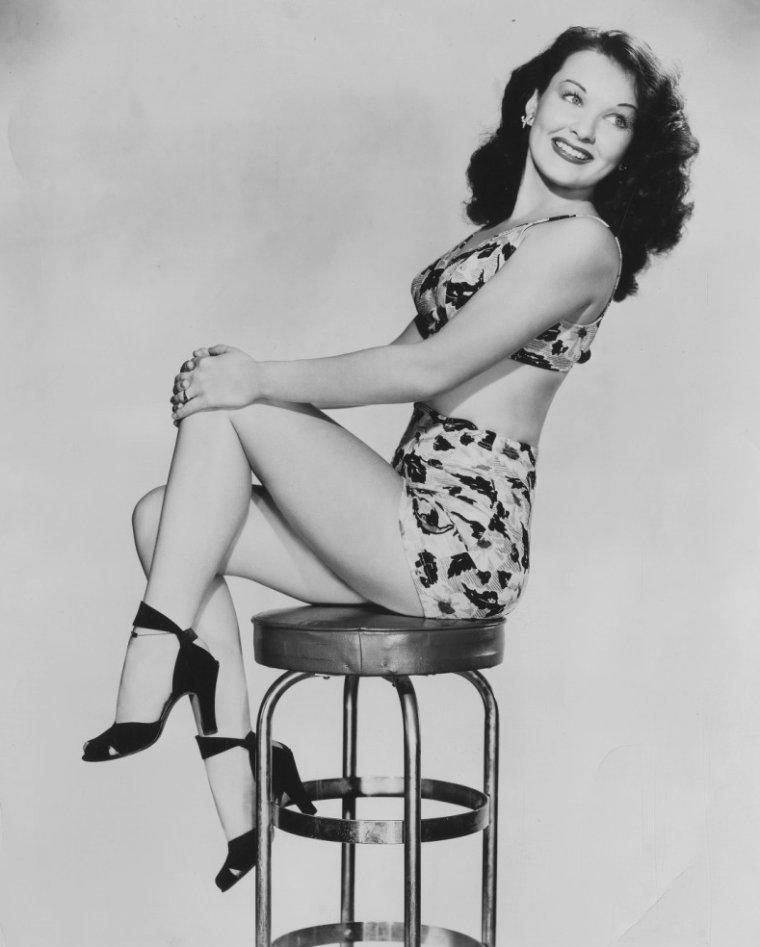 Amelita WARD aussi connue sous le pseudo de Lita WARD (17 Juillet 1923 / Mai 1987) (photo N.B. 1943)