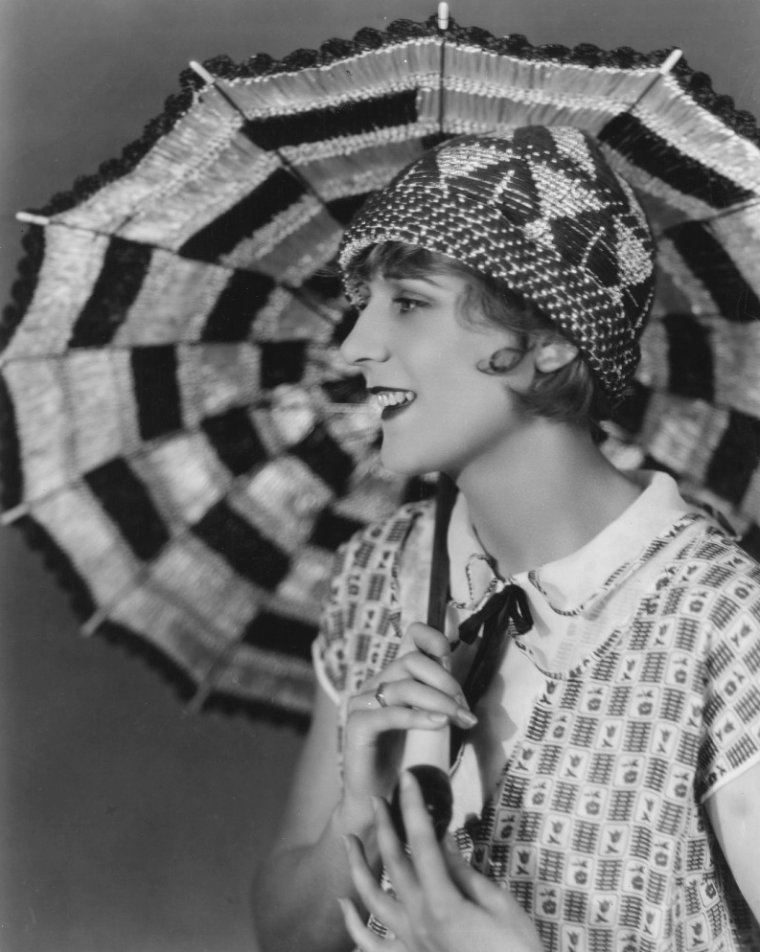 Jacqueline GADSDEN (3 Août 1900 / 10 Août 1986) (photo N.B. 1927)