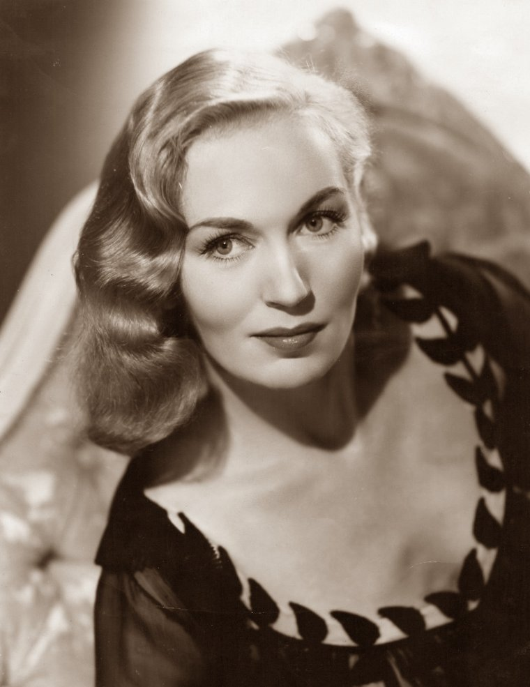 Greta GYNT (15 Novembre 1916 / 2 Avril 2000) (photo sépia 1956)
