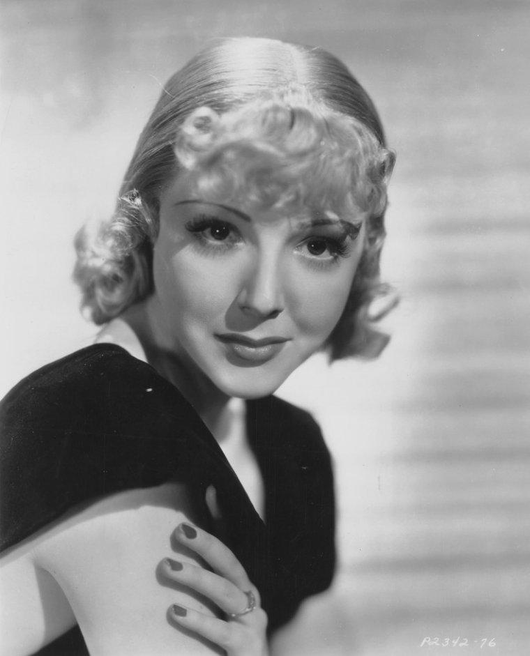 Dorothy HOWE aussi connue sous le pseudo de Virginia VALE (20 Mai 1920 / 14 Septembre 2006)