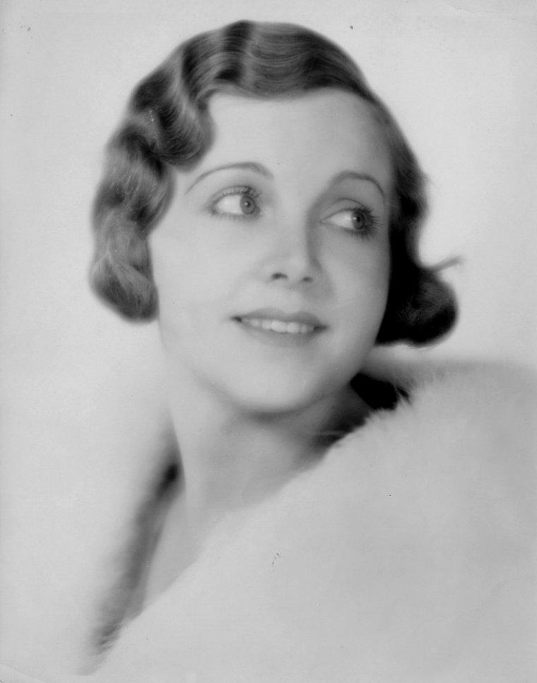Irene DELROY (21 Juillet 1900 / 14 Juin 1985) (photo N.B. 1931)