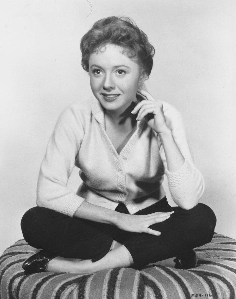 Betty LYNN aussi connue sous le pseudo de Betty Ann LYNN (19 Août 1926)