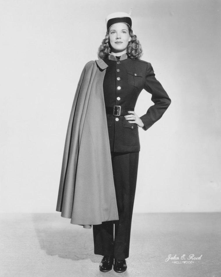 Gale SHERWOOD aussi connue sous le pseudo de Jacqueline NASH (4 Mars 1929)