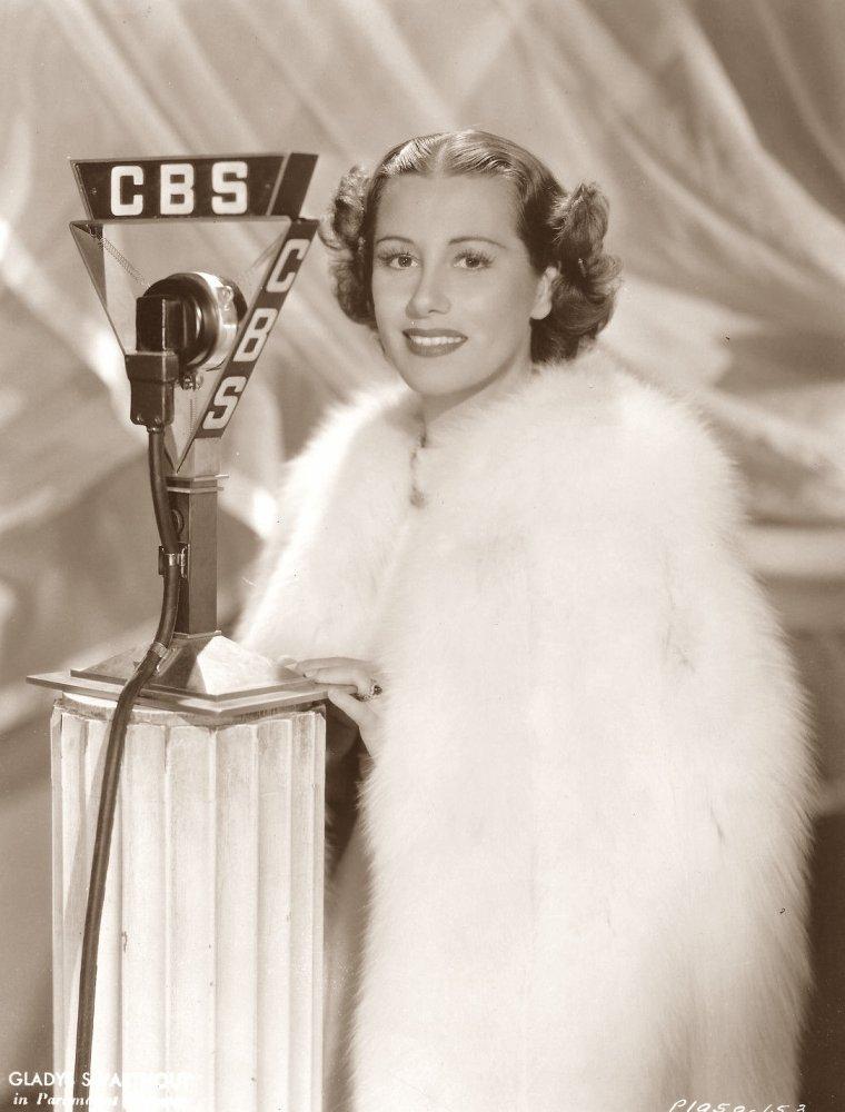 Gladys SWARTHOUT (25 Décembre 1900 / 8 Juillet 1969) (photo sépia 1935)