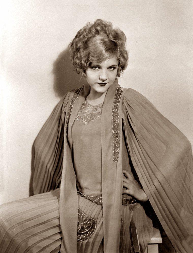 Virginia Lee CORBIN (5 Décembre 1910 / 4 Juin 1942) (photo sépia 1926)