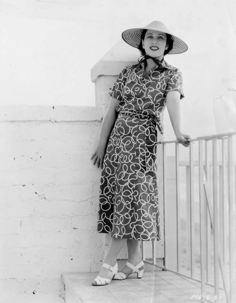 Mary ELLIS (15 Juin 1897 / 30 Janvier 2003)