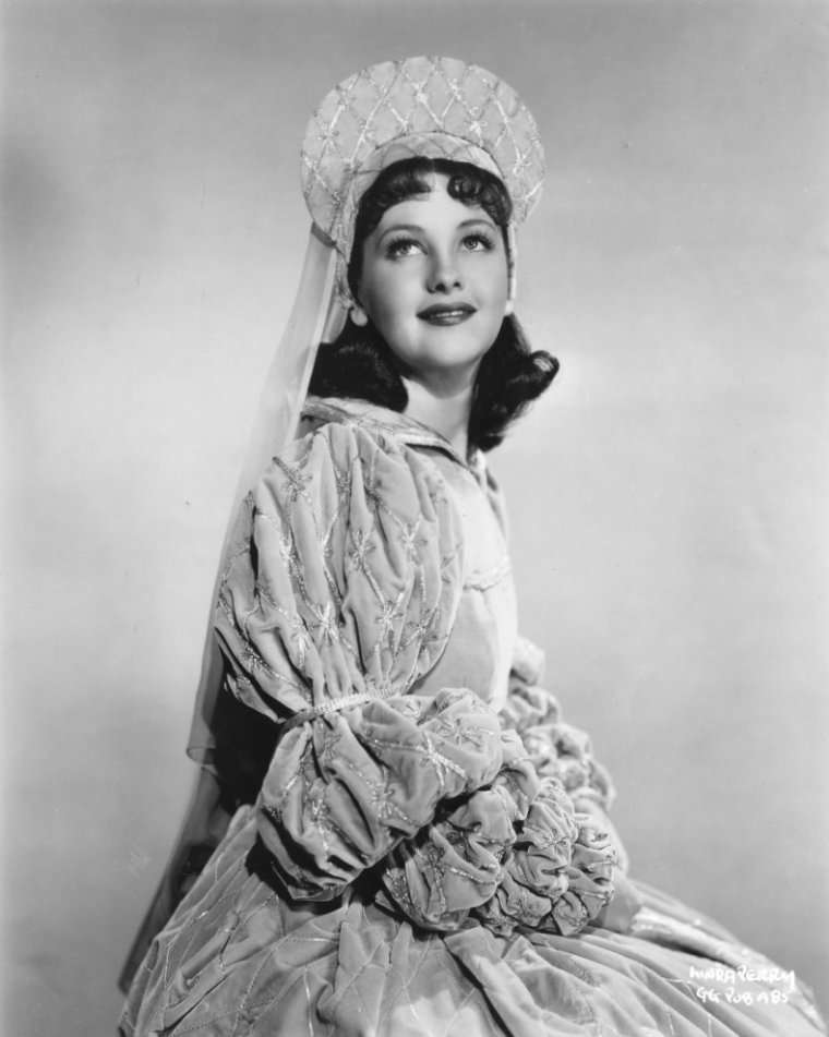 Linda PERRY (18 Août 1912 / 12 Janvier 2001)