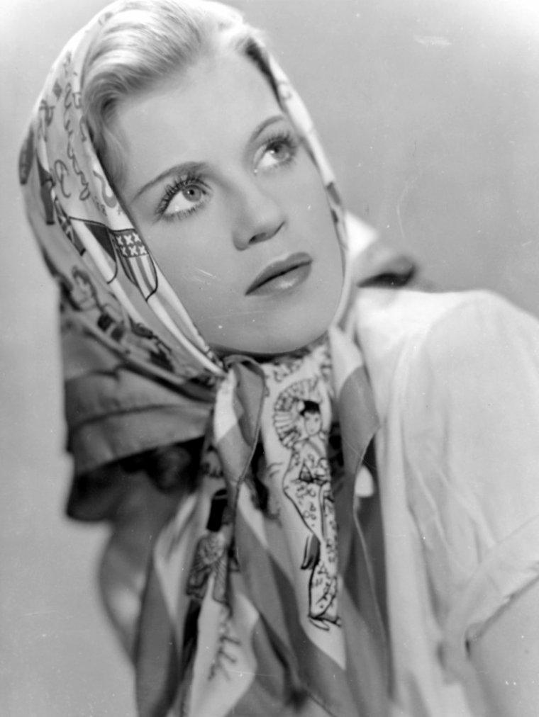 Kristina SÖDERBAUM (5 Septembre 1912 / 12 Février 2001)