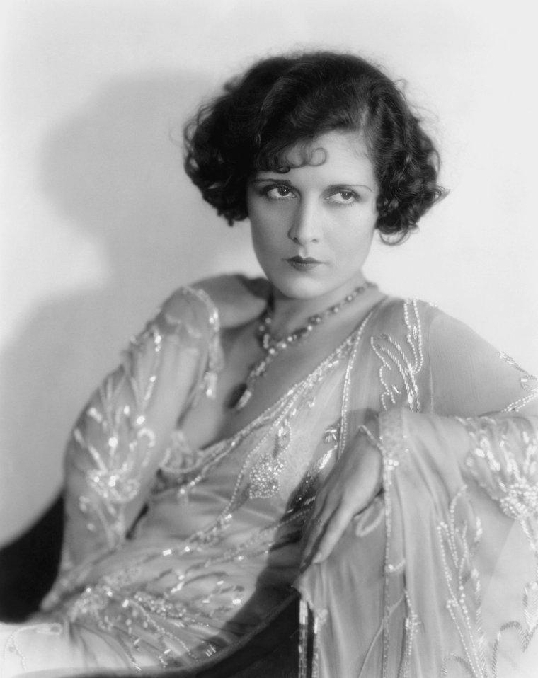Evelyn BRENT (20 Octobre 1901 / 4 Juin 1975)