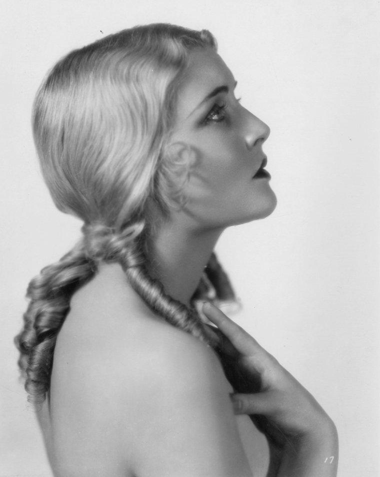 Jeanette LOFF (9 Octobre 1906 / 4 Août 1942)