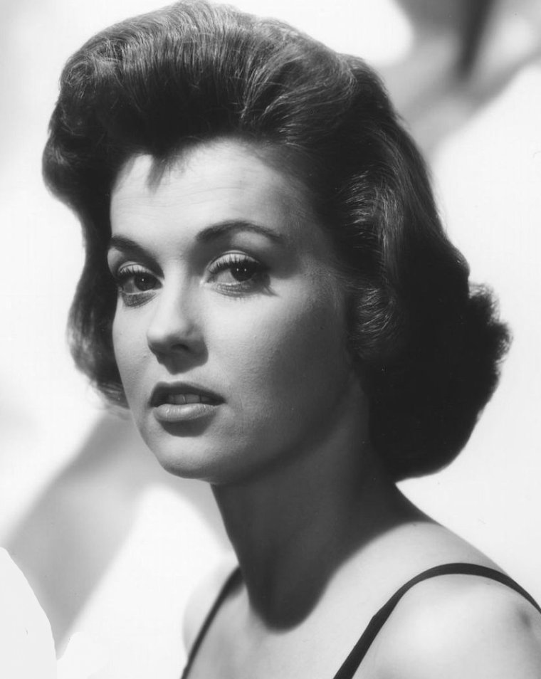Donna DOUGLAS (26 Septembre 1933)
