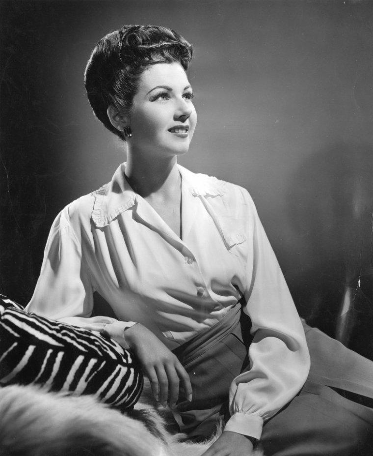 Jeanne BATES (21 Mai 1918 / 28 Novembre 2007)