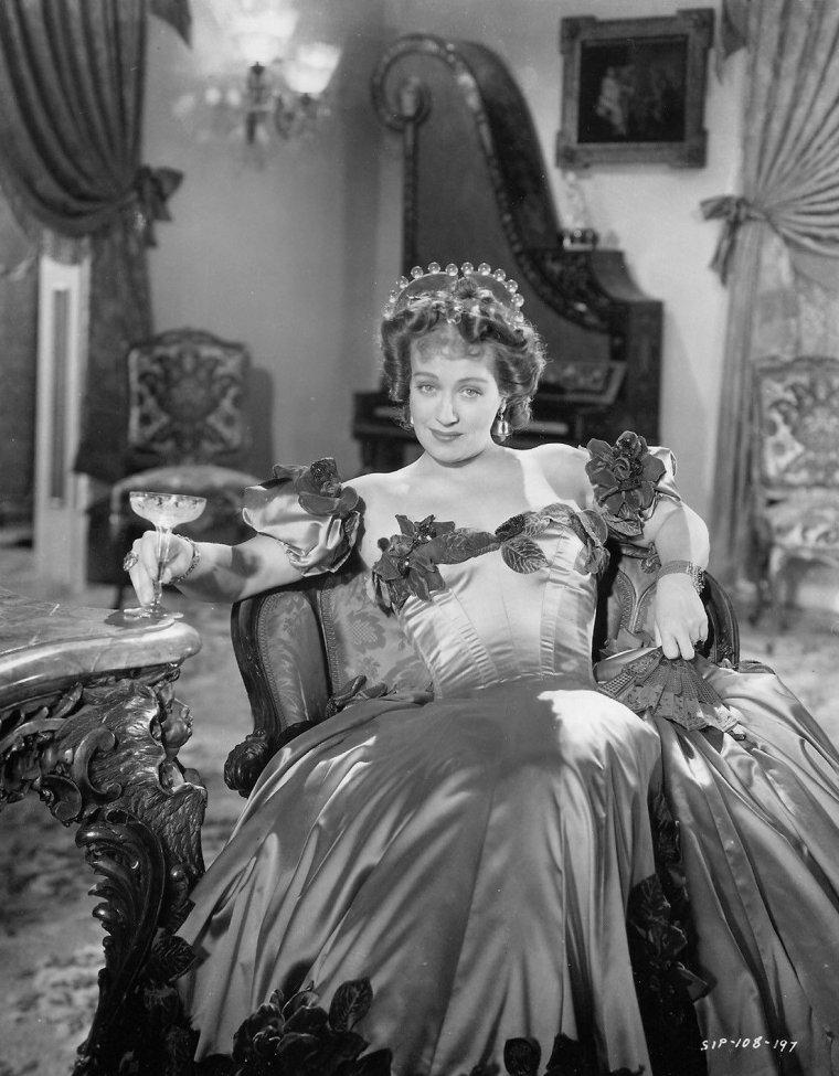 Ona MUNSON (16 Juin 1903 / 11 Février 1955)