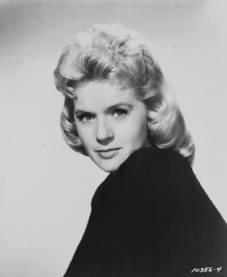 Connie STEVENS (8 Août 1938)